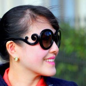 Authentic prada baroque sunglasses.